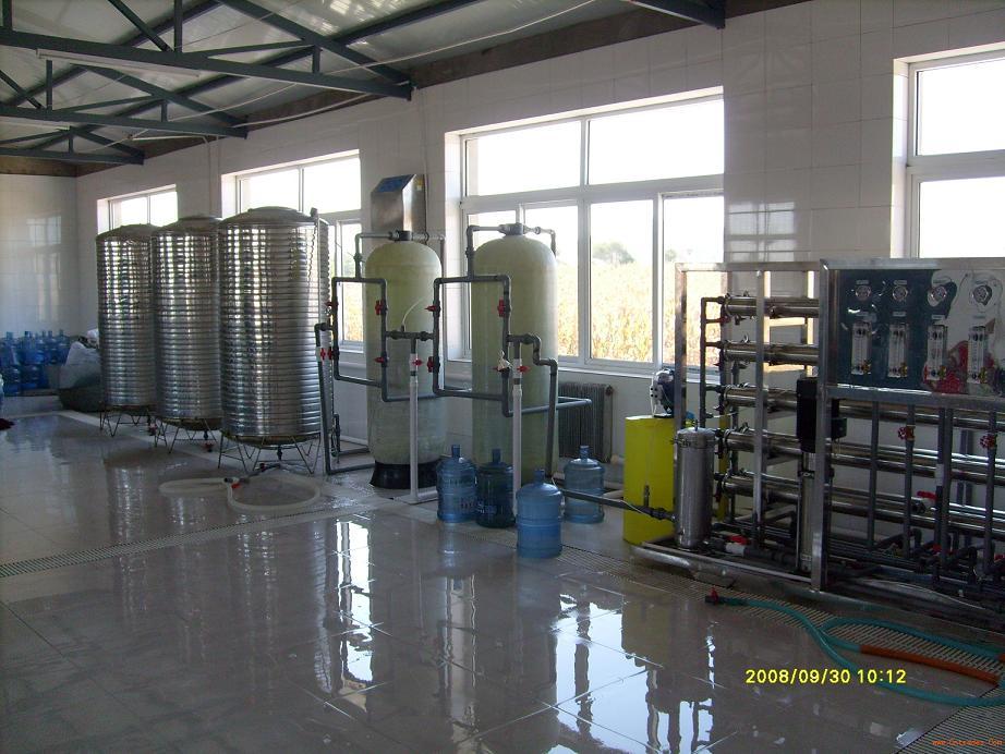 云南桶装水灌装机设备昆明山泉水净化设备纯机水设备芬源生产厂家