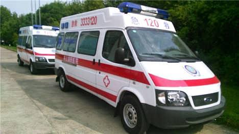 江铃120救护车图片