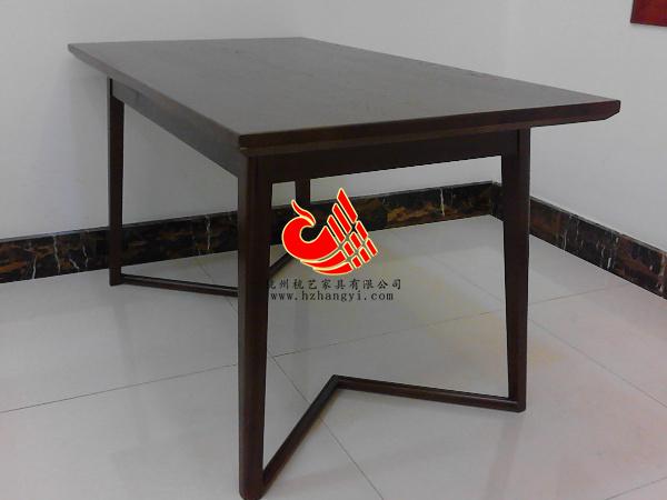 浙江简约风格实木工艺餐厅桌子 铁艺底座实木面餐桌供应