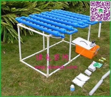 4,容器    花盆是阳台种菜时常用的容器,但花盆的缺点显而易见种植