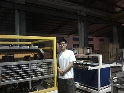 朗逸/胶州塑料仿古瓦生产线塑料仿古瓦生产线朗逸机械图