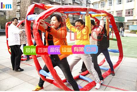 秋季运动会,成都趣味运动器材,袋鼠运瓜-郑州百美游乐玩具厂
