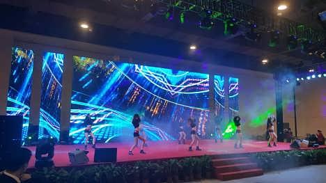 格: 上海年会led大屏搭建 灯光音响舞台搭建公司 led灯光的渲染效果是