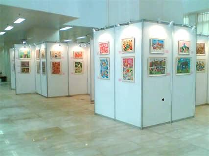 书画展板 户外活动广告宣传架 展会八棱柱展板 摄影作品展示架图片