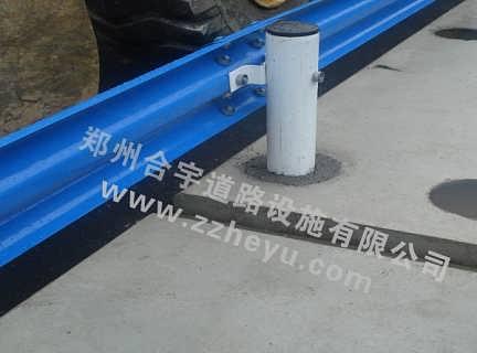 双波、三波护栏板河南生产厂家地址