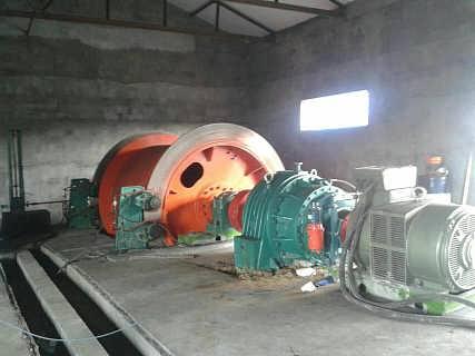 可出口矿用提升设备,矿井提升机