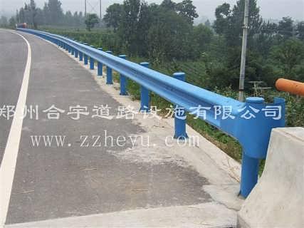 河南护栏板波形护栏板高速专用护栏板热镀锌喷塑防撞护栏板