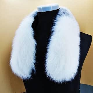 狐狸毛领价格大衣毛领子,工人工资高于同行水平,貉子毛领价格-青岛大营九狐服饰制造有限公司