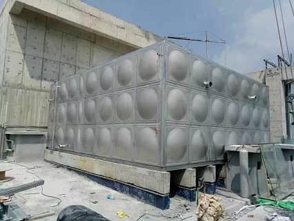 供应生产供应不锈钢水箱/报价-盐城联成供水设备有限公司销售部