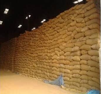 垄上求购大量碎米大豆高粱等等