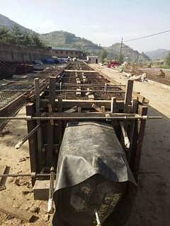 黄陵县桥梁空心板气囊包送工地