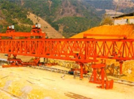 新东方贵州织普高速项目40/160吨架桥机-河南省新东方起重机集团有限公司销售部