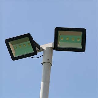 广州哪里有篮球场灯杆卖 一个标准的篮球场需要几根灯杆 篮球场灯杆的价格