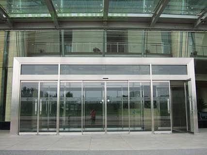东城区安装公司玻璃门玻璃隔断大量供应