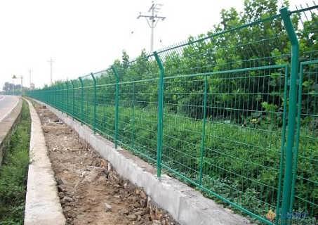 毕节铁丝网规格报价、贵州哪有卖框架围栏网生产厂家