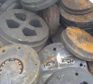 求购布吉钢铁模具回收 模具高价回收处理