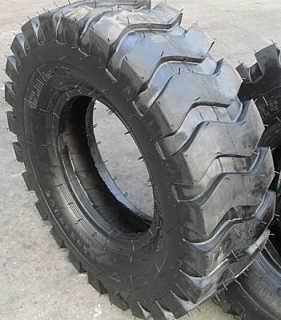 1200-16工程胎直销价格-潍坊市金鹏达橡胶制品有限公司