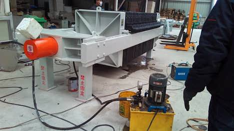 过滤工序中板框压滤机的正确使用方法-沧州亚龙压滤机有限公司(板框压滤机)