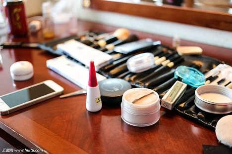 上海国外化妆品进口需要的资料-苏州鸾翔国际货运代理有限公司业务部