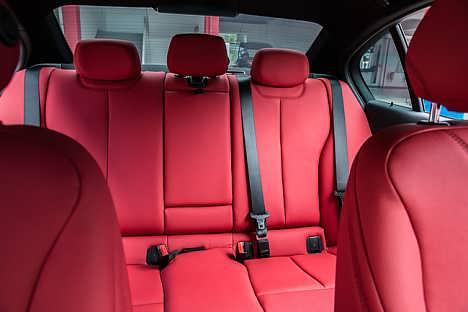 宝马3系座椅改色换真皮,顶棚翻新包真皮