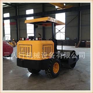 实用才是硬道理的小型振动压路机 回填土压路机-济宁市三人行机械设备有限公司.