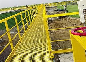 工程在施工时可以使用玻璃钢护栏吗
