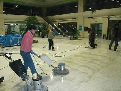 海珠区宝岗石材地面缝隙大怎么处理专业石材填缝打磨翻新公司-广州蓝态清洁服务有限公司-