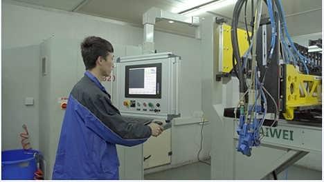 全自动点胶机生产厂家上海凯伟