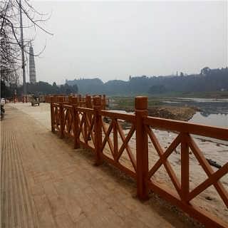 宜宾泸州地区水泥仿木栏杆,仿树皮悬崖护栏,四川驰升厂家直销