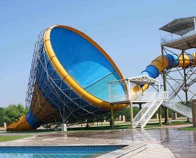 高空大喇叭滑梯-水上乐园设备-郑州浪鲸泳池设备制造有限公司