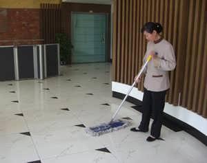 天河沙太南日常固定清洁工扫地员卫生员外包公司-广州蓝态清洁服务有限公司-