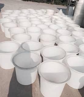 南充市M-800L蓄水圆桶厂家直供-重庆力佑塑胶容器有限公司