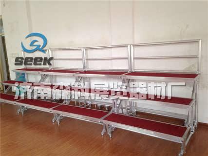 铝合金折叠梯子合唱台带轮学校合影架济南-济南市中森科展览器材厂