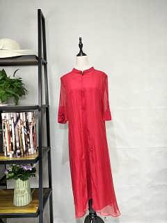 广州伊曼服饰品牌女装尾货折扣批发市场,新款真丝连衣裙2.