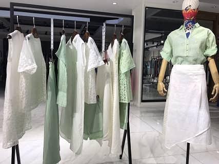 上海高端棉麻品牌麦中林女装折扣尾货一手货源