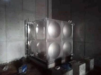 不锈钢圆柱形保温水箱介绍-山西金诚铭不锈钢设备有限公司