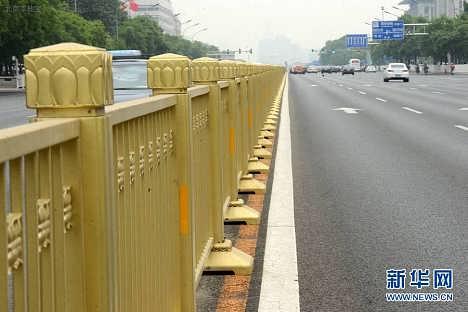 供应不锈钢金色防撞护栏北京长安街同款护栏-泰州市佳孚不锈钢制品有限公司