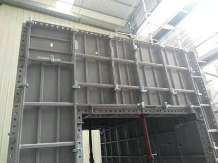 铝模连接器通用性强,兼容大多数铝模板,安装速度快