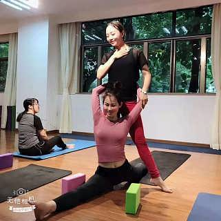石排瑜伽教培机构研究什么时间段练习瑜伽好-东莞市石龙菲雅成人舞蹈培训部