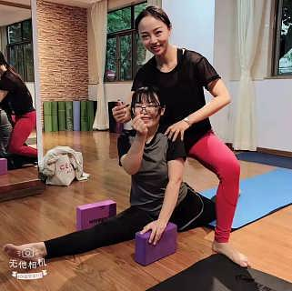 石湾瑜伽教练班讲解练习瑜伽的最佳时间段-东莞市石龙菲雅成人舞蹈培训部