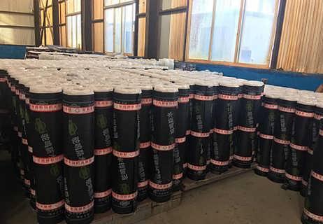 自粘聚合物改性沥青耐根穿刺防水卷材生产厂家-山东大千防水材料有限公司
