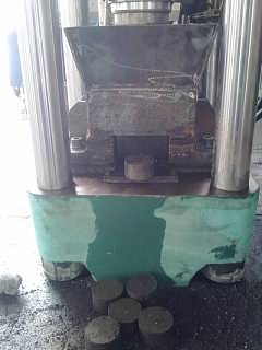 亿迈圣铸铁屑生铁屑屑饼机-江阴市亿迈圣液压机械有限公司