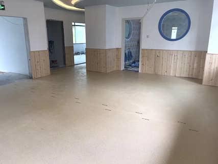 青岛阿姆斯壮幼儿园高弹性地胶板