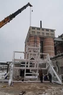 厦门全自动集装箱装箱机中翻重工优质高效-山东中翻重工有限公司