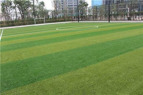 人造草足球场建设厂家环保人造草足球场施工建设-广州信源体育产业有限公司