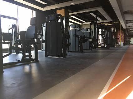 青岛LG健身房耐磨塑胶地板生产厂家