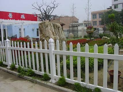 甘肃塑钢护栏厂家、兰州塑钢栏杆定制安装