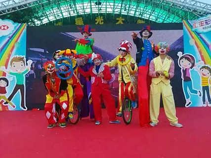 东莞搞笑互动杂技小丑表演/东莞杂技魔术小丑表演提供/东莞杂技小丑,气球小丑