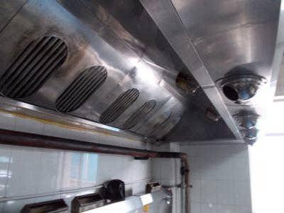 通州区九棵树大型排烟罩制作加工 烧烤风机 排烟系统安装