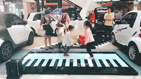 地板钢琴出租出售地板钢琴租赁创意地板钢琴制作厂家